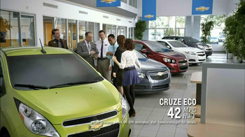 2013 Chevrolet Cruze LS TV Spot, 'MPG Enginuity' - Thumbnail 3