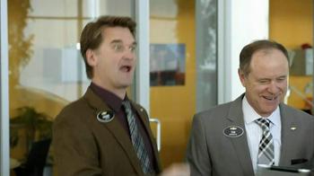 2013 Chevrolet Cruze LS TV Spot, 'MPG Enginuity' - Thumbnail 7