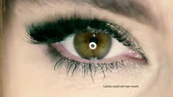 CoverGirl Clump Crusher TV Spot, 'Lash Addict' Featuring Sofia Vergara - Thumbnail 7