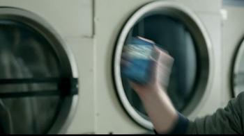 Butterfinger TV Spot, 'Laundromat Ninja' - Thumbnail 5