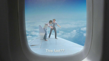 Clearasil Ultra TV Spot, 'Airplane Fast' - Thumbnail 5