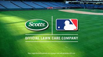 Scotts Turf Builder Lawn Food TV Spot, 'Big League Lawn' - Thumbnail 8