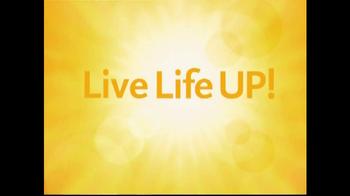 Days Inn TV Spot, 'Live Life Up' Featuring Jess Penner - Thumbnail 9