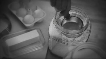 Marie Callender's Chicken Pot Pie TV Spot, 'It's All in the Crust' - Thumbnail 3