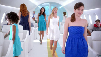 Old Navy Eyelet Dresses TV Spot, 'Airplane' Featuring Rachael Leigh Cook - Thumbnail 2