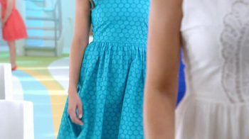 Old Navy Eyelet Dresses TV Spot, 'Airplane' Featuring Rachael Leigh Cook - Thumbnail 4
