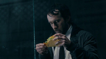 Taco Bell Cool Ranch Doritos Locos Tacos TV Spot, 'Splashed by a Truck'  - Thumbnail 4