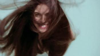 Garnier Fructis Hydra Recharge TV Spot, 'Desert' - Thumbnail 5