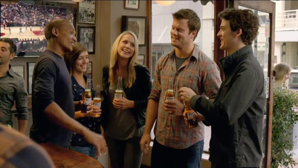 Corona Extra TV Commercial, 'Unaffected'