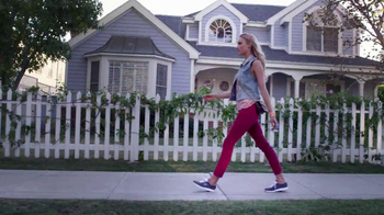 Skechers Go Walk TV Spot, 'From Sun Up to Sun Down' Song by Rizzle Kicks - Thumbnail 3