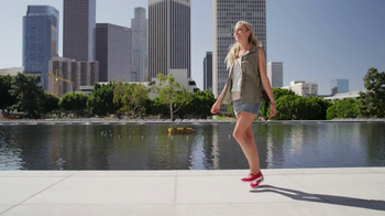 Skechers Go Walk TV Spot, 'From Sun Up to Sun Down' Song by Rizzle Kicks - Thumbnail 6