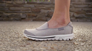Skechers Go Walk TV Spot, 'From Sun Up to Sun Down' Song by Rizzle Kicks - Thumbnail 8