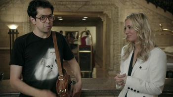 Priceline.com TV Spot, 'Cat Guy' Featuring Kaley Cuoco - Thumbnail 6