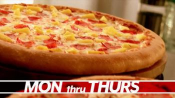 Pizza Hut Great Big Deal TV Spot, 'Carryout or Specialty' - Thumbnail 3