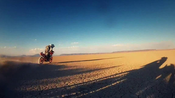 Triumph Motorcycles TV Spot, 'Dunes' - Thumbnail 7