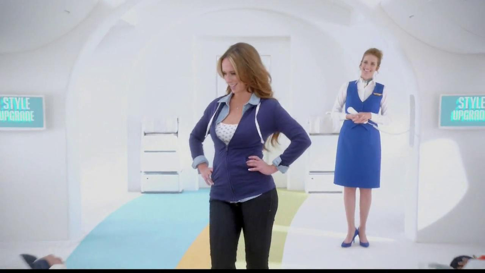 Old Navy TV Commercial, 'Airplane' Featuring Julie Hagerty, Jennifer Love Hewitt