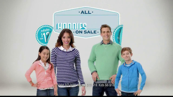 Old Navy TV Spot, 'Airplane' Featuring Julie Hagerty, Jennifer Love Hewitt - Thumbnail 10