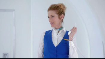 Old Navy TV Spot, 'Airplane' Featuring Julie Hagerty, Jennifer Love Hewitt - Thumbnail 3