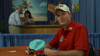 5 Hour Energy TV Spot, 'Autographs' Featuring Jim Furyk and Clint Bowyer - Thumbnail 7