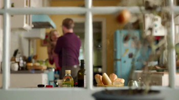 Miracle-Gro Liquafeed TV Spot, 'Tales from the Garden: Foodies' - Thumbnail 3