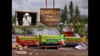 Nature Valley Crunchy Granola Bars TV Spot, 'Ski With All That Energy' - Thumbnail 5