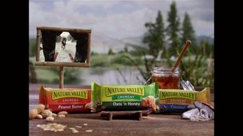 Nature Valley Crunchy Granola Bars TV Spot, 'Ski With All That Energy' - Thumbnail 4
