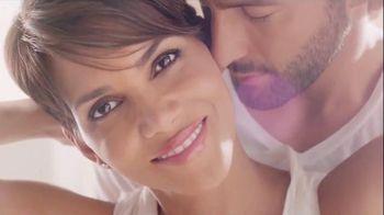 Revlon PhotoReady Airbrush Effect Makeup TV Spot, 'Close' Feat. Halle Berry