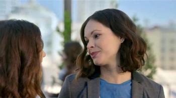 Crest 3D White Whitestrips TV Spot, 'Amigas' [Spanish] - Thumbnail 4