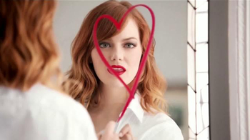 Revlon Ultra HD Lipstick TV Spot, 'Más Brillante' Con Emma Stone [Spanish] - 623 commercial airings