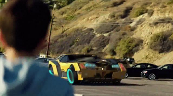 Transformers: Robots in Disguise TV Spot, 'Take on the Battle' - Thumbnail 3