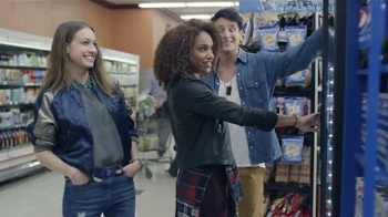 Pepsi TV Spot, 'Premios Musicales' Con Charli XCX [Spanish] - Thumbnail 1