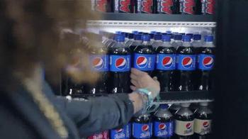 Pepsi TV Spot, 'Premios Musicales' Con Charli XCX [Spanish] - Thumbnail 2