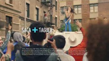 Pepsi TV Spot, 'Premios Musicales' Con Charli XCX [Spanish] - Thumbnail 5