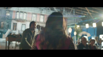 American Express TV Spot, 'The Journey Never Stops for Mindy Kaling' - Thumbnail 6