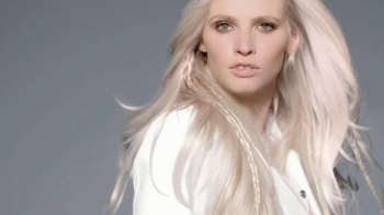 L'Oreal Feria Absolute Platinum TV Spot, 'For the Earth Angel' - Thumbnail 6