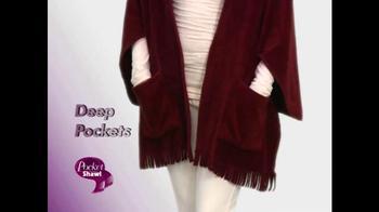 Pocket Shawl TV Spot, 'Warm and Cozy' - Thumbnail 3