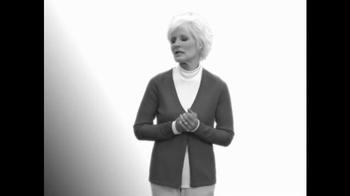 Pocket Shawl TV Spot, 'Warm and Cozy' - Thumbnail 4