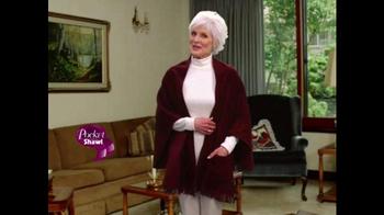 Pocket Shawl TV Spot, 'Warm and Cozy' - Thumbnail 5