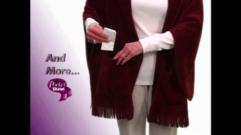 Pocket Shawl TV Spot, 'Warm and Cozy' - Thumbnail 6