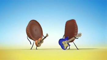 Butterfinger Peanut Butter Cups TV Spot, 'Guitar Duel'