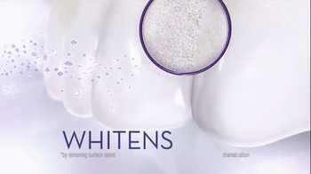Crest 3D White Luxe Diamond Strong TV Spot, 'Delete It' - Thumbnail 5