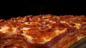 Little Caesars Pizza Bacon Wrapped Crust TV Spot, 'Small-Town Pizza Lawyer' - Thumbnail 3
