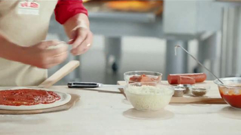 Papa John's Bacon Cheeseburger Pizza TV Spot, 'Gran Pizza' [Spanish] - Thumbnail 4