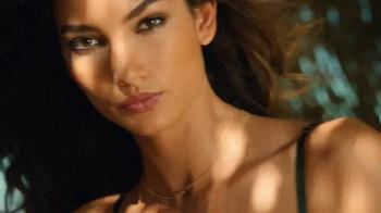 Victoria's Secret Push-Up Bras TV Spot, 'Everybody's Got It' - Thumbnail 2