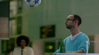 Heineken TV Spot, 'UEFA Champions League: Flight Delay' - Thumbnail 4
