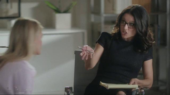 Old Navy TV Spot, 'Boyfriend at Couples Therapy' Feat. Julia Louis-Dreyfus - Thumbnail 3
