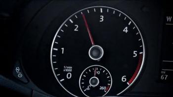 2015 Volkswagen Passat TDI Clean Diesel TV Spot, 'Question' Song by Magic! - Thumbnail 4