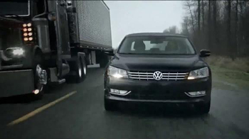 2015 Volkswagen Passat TDI Clean Diesel TV Spot, 'Question' Song by Magic! - Thumbnail 5