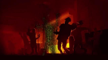 Nerf Zombie Strike Flipfury TV Spot, 'Zombie Stopping Action' - Thumbnail 7