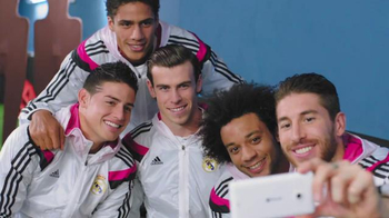 Microsoft TV Spot, 'Real Madrid: Passion Powers Passion' Feat. Gareth Bale - Thumbnail 7